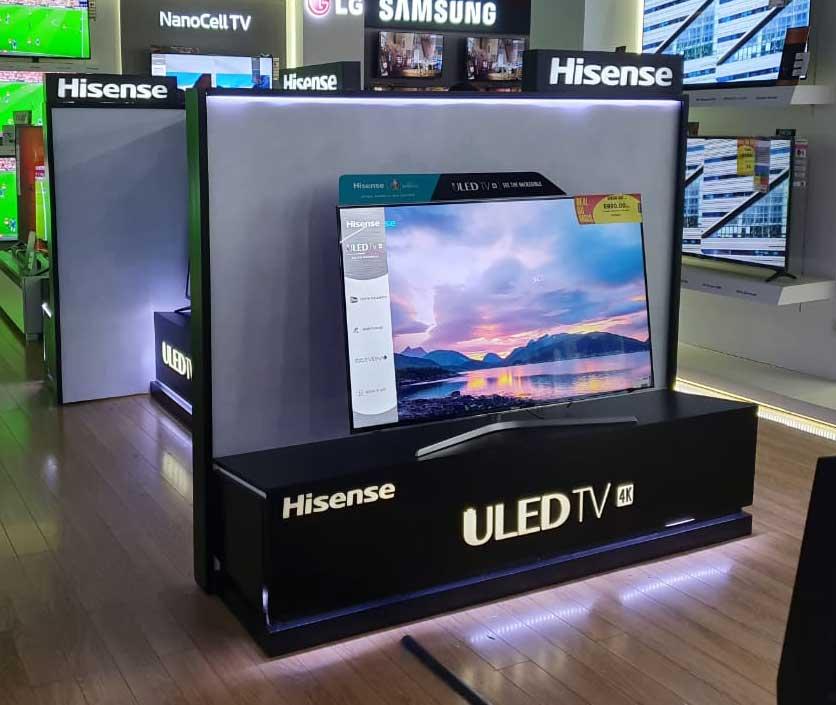 présentoir-de-TV-cosmos-magasin-stand-de-présentation-de-produit-TV-maroc-Hisense--stand-de-présentation-