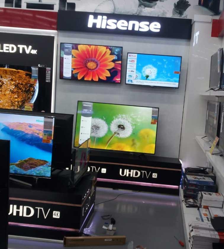 stand-TV-magasin-et-grande-surfaces--stand-de-présentation-de-produit-TV-maroc-Hisense--stand-de-présentation-
