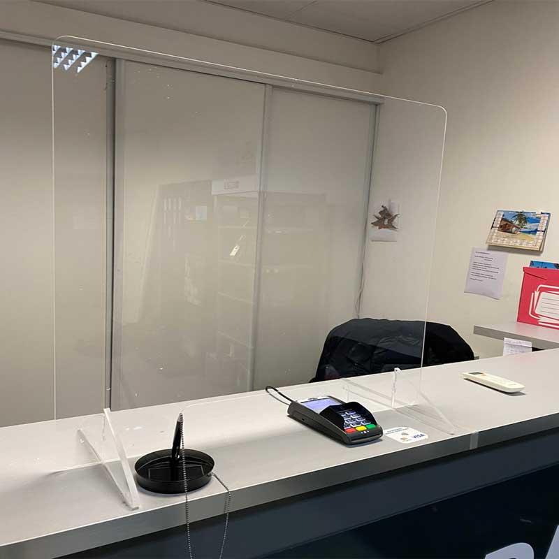 Visières-de-protection-séparation-transparente-pour-bureau-plexiglas-coronavirus-maroc-casablanca-Marrakech
