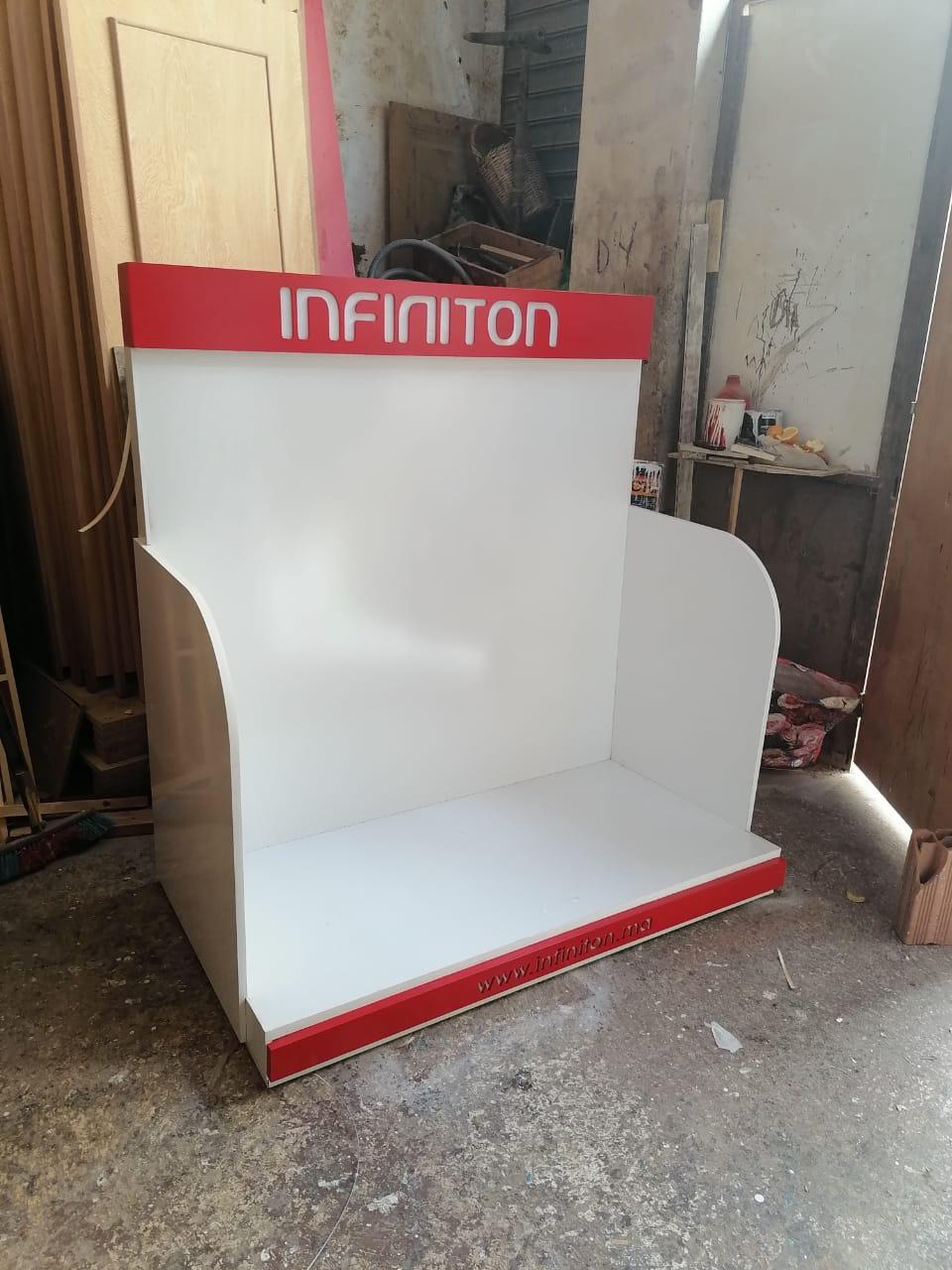 fabrication-de-Présentoir-électroménager-stand-déxposition-machine-à-laver-présentoir-lave-linge-PLV-presentoir-magasin-décoration-showroom-design-casablanca-maroc